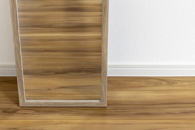 玄関の真正面にある鏡