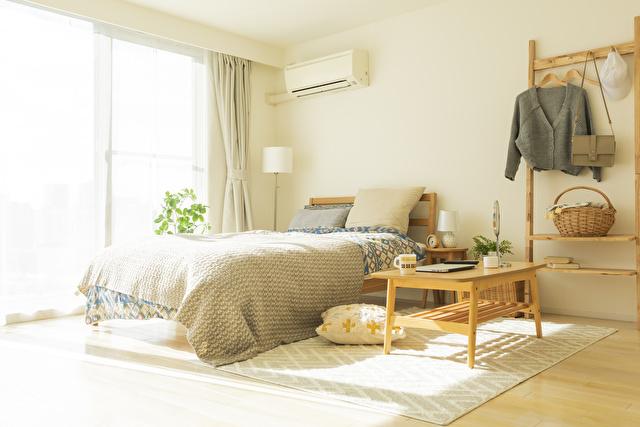 日が当たる寝室