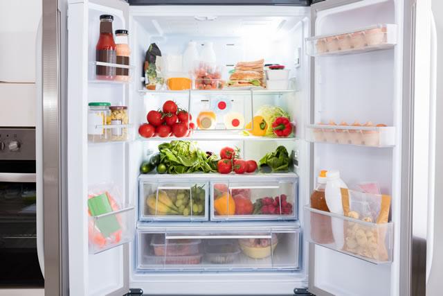食材が詰まった冷蔵庫