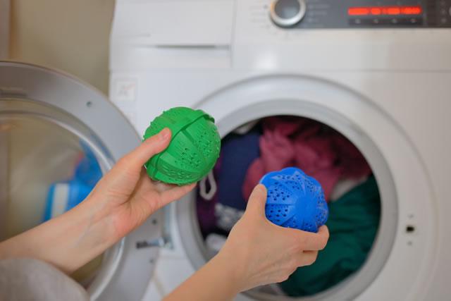 Laundry eco washing spheres