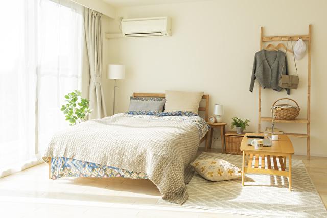 冷房のきいた快適な部屋