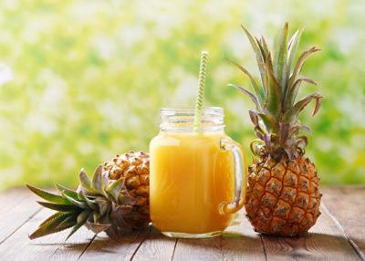 パイナップルとジュース