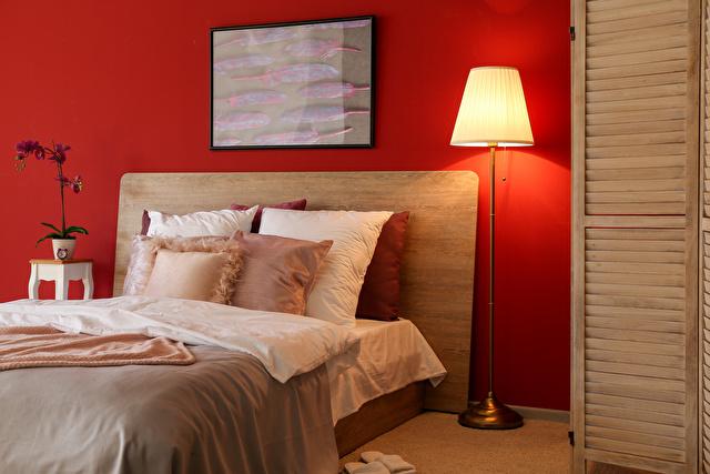 寝室赤イメージ