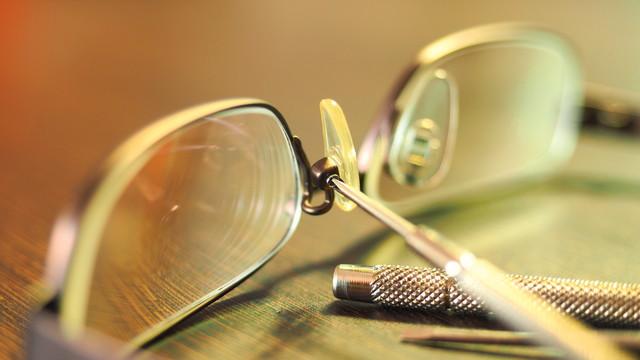 メガネは大切に使いましょう