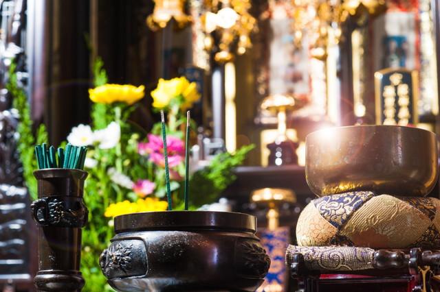 仏壇にも置くべきではない