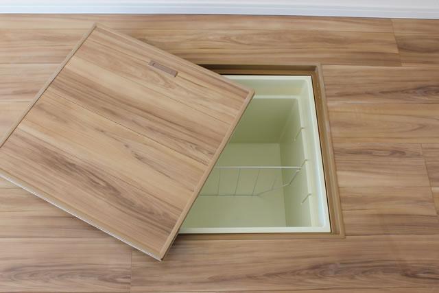 新築の床下収納