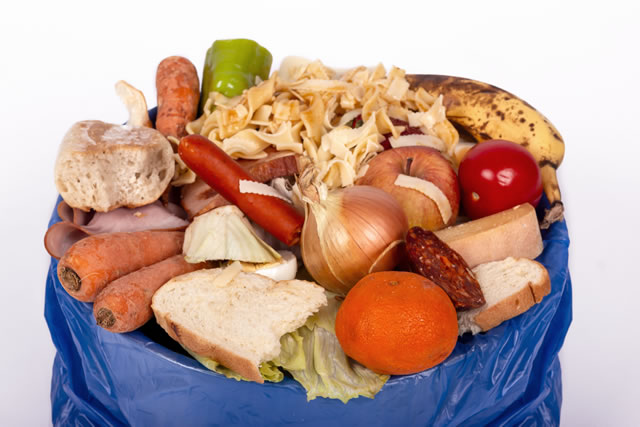 küchenabfall, essensreste, lebensmittel verschwendung, abfall, mülleimer, bio müll