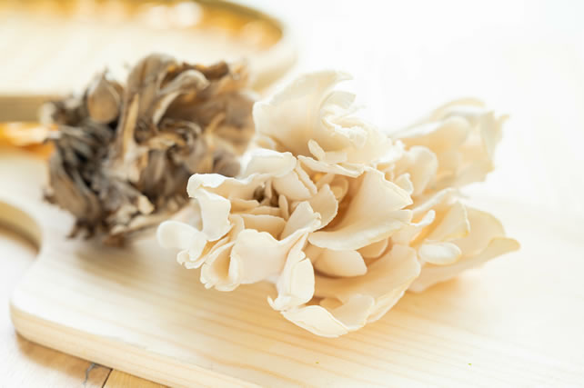 白い舞茸と普通の舞茸