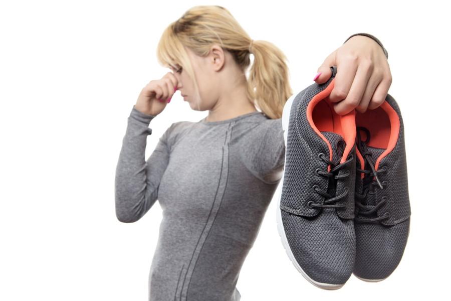 靴から異臭がする