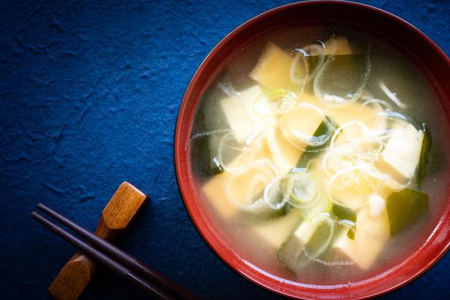 わかめと豆腐とねぎの味噌汁