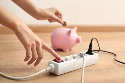 ブタの貯金箱と節電