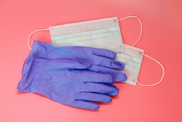 マスクとゴム手袋