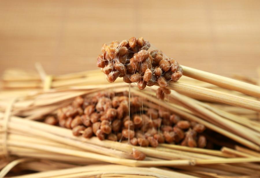 納豆は発酵する