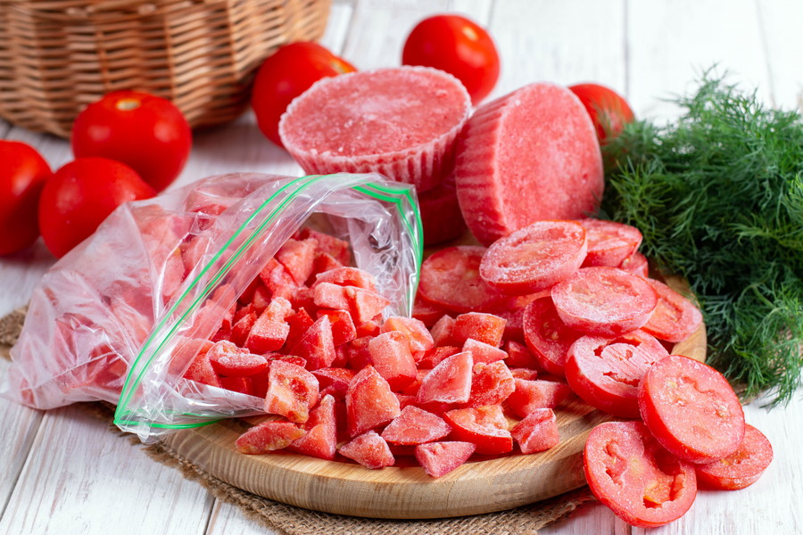トマトは冷凍保存もおすすめ
