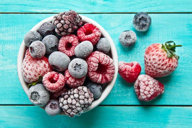 凍ったフルーツ