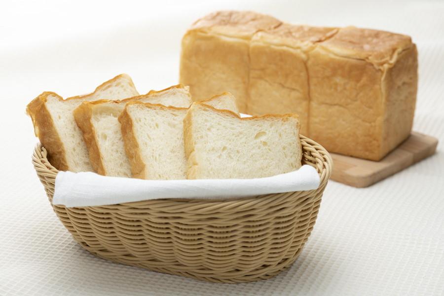 パンは賞味期限が短い