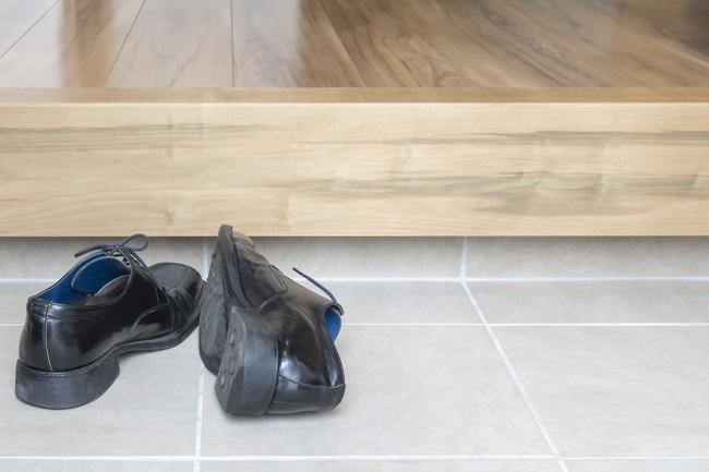 玄関の脱ぎっぱなしの靴