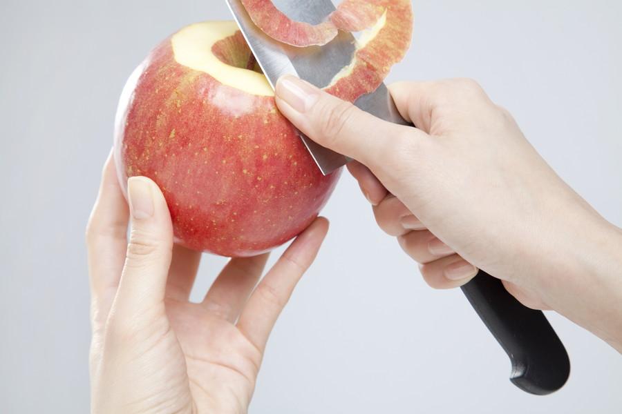 果物を切る時も注意