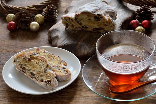 シュトーレンと紅茶