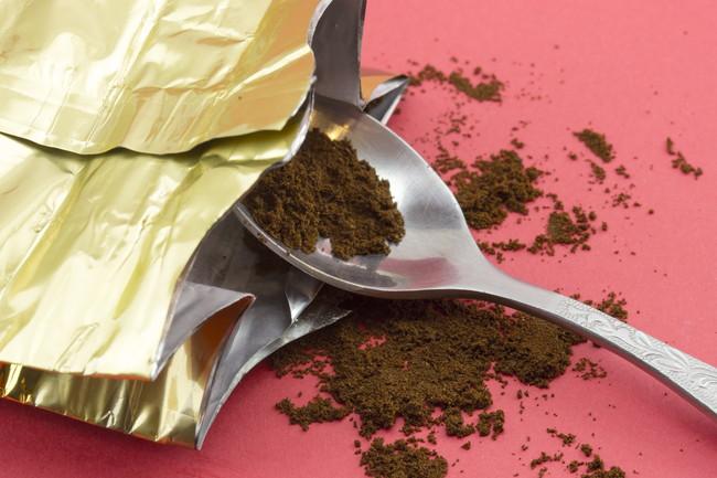開封されたコーヒー粉の袋