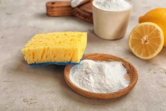 スポンジ、白い粉末、オレンジ