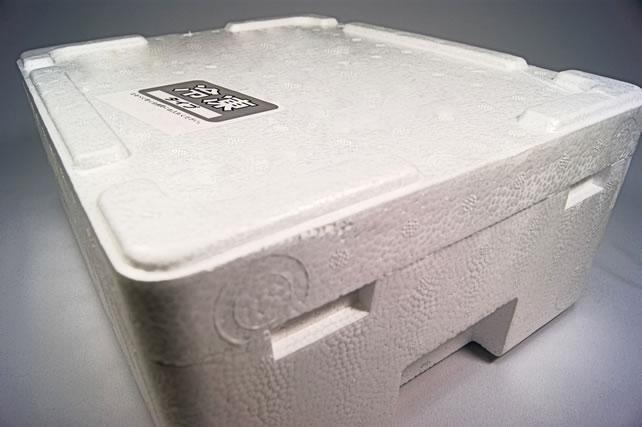 発泡スチロールの箱