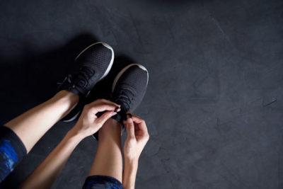 夜に靴をおろす
