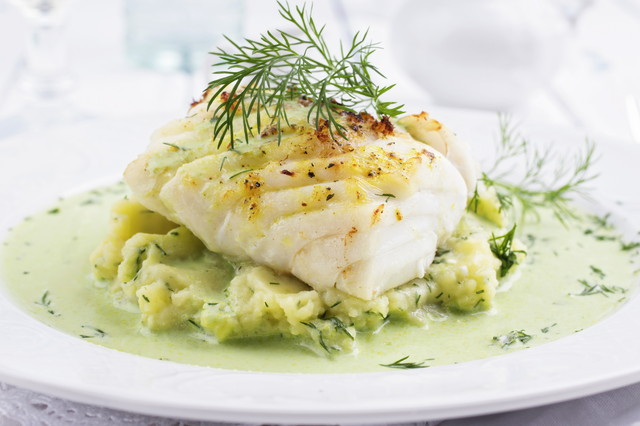 白身魚とハーブの料理