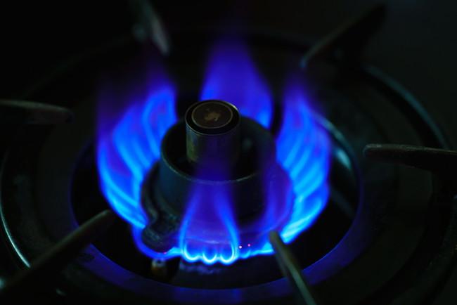 ガスコンロの青い炎
