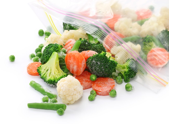 保存袋に入った冷凍ミックス野菜