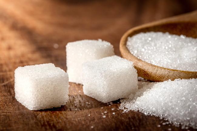 白砂糖と3つの角砂糖
