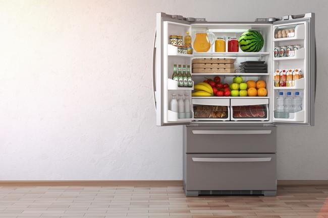 食品が多く入っている冷蔵庫