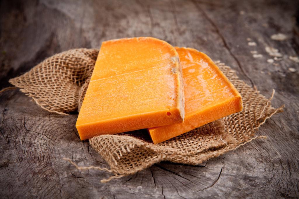 カビが生えたチーズ