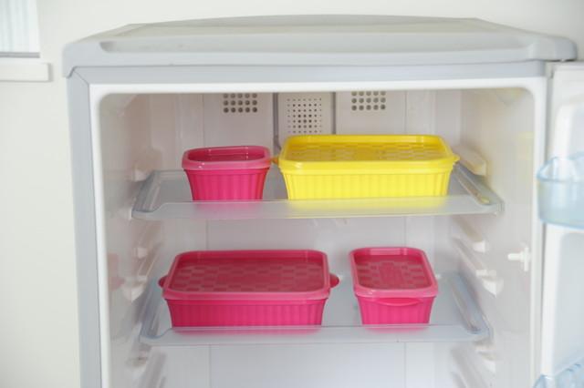 冷蔵庫に入ったタッパー