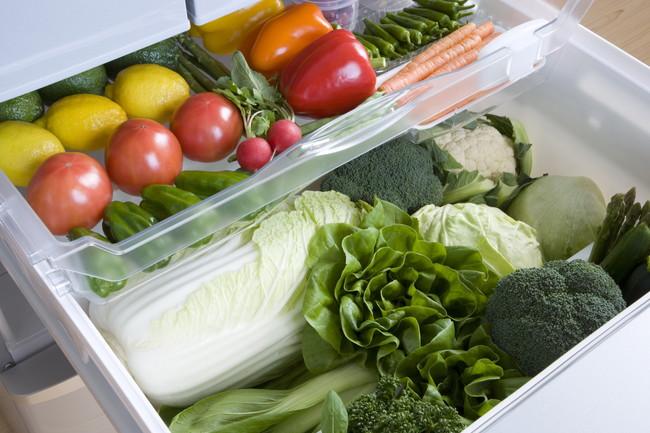 冷蔵庫の野菜室にそのまま保管されている野菜