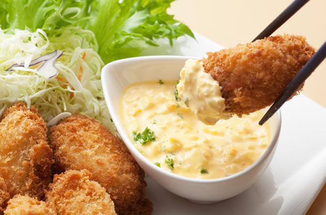 タルタルソースと牡蠣フライ