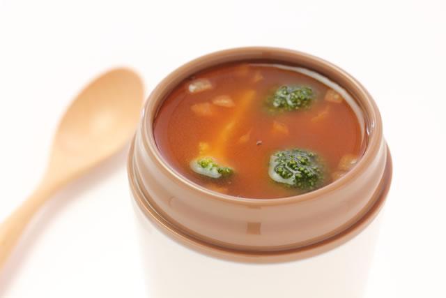 スープジャーに入れた味噌汁