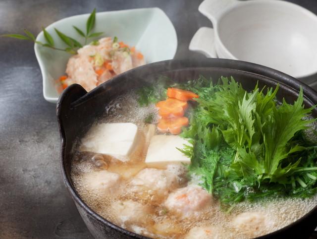水菜と肉団子の鍋料理