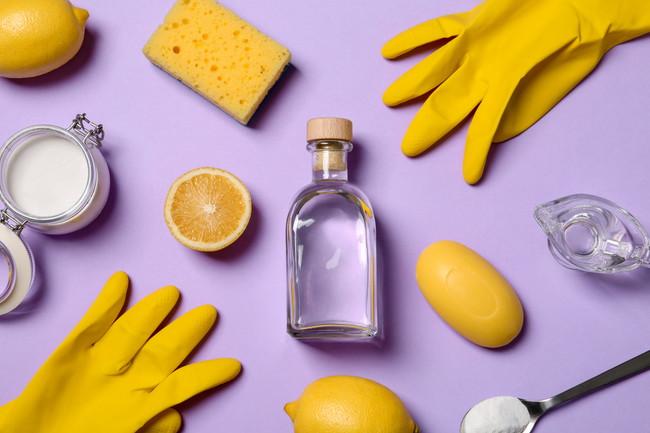 ゴム手袋とレモン水