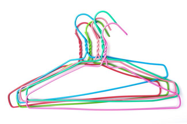 カラフルな針金ハンガー