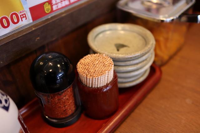 飲食店に置かれている七味唐辛子