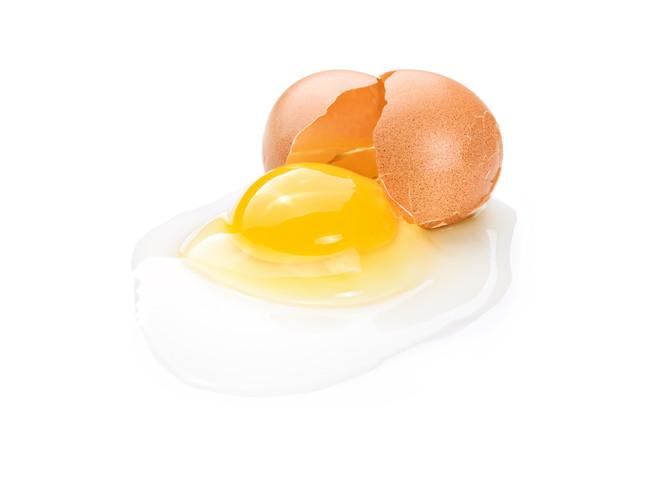 割れた生卵