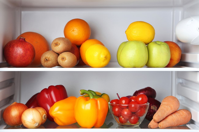 冷蔵kの中の野菜や果物