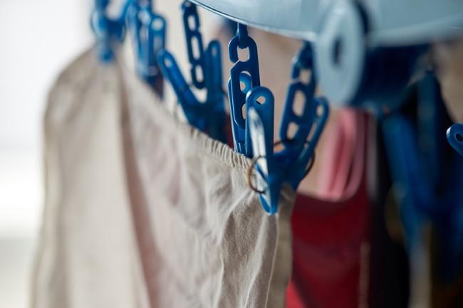 角ハンガーに干した洗濯物