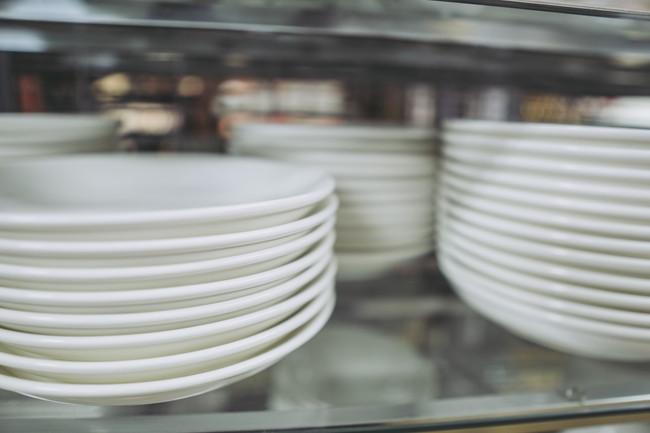 たくさんの白い食器