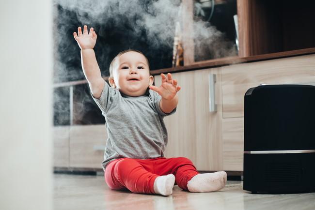 赤ちゃんと加湿器