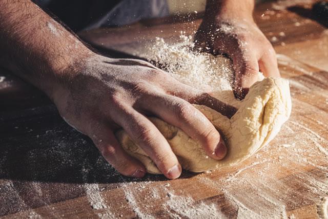 パンを作る手