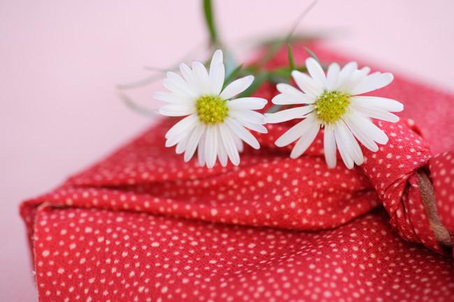 花と菓子折り