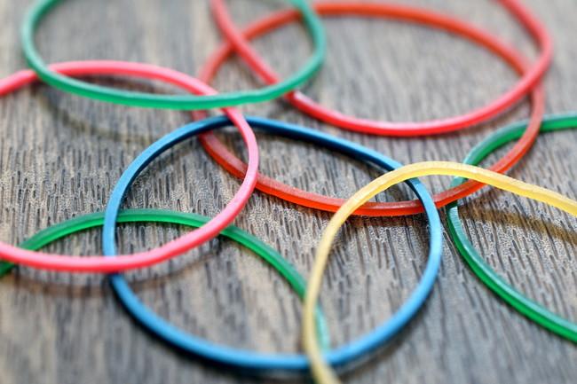 カラフルな輪ゴム