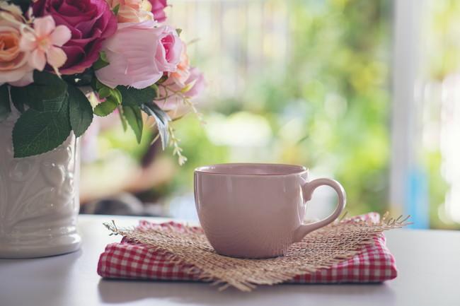 ピンク色のきれいなカップ
